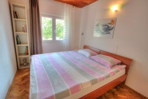 Apartment - holiday home kornelija -bedroom
