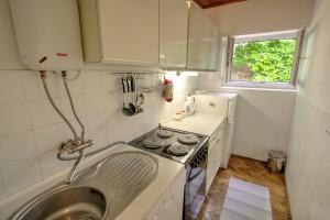 Apartment - holiday home kornelija - kitchen