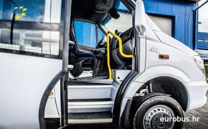 mercedes-sprinter-eurobus-glas-door